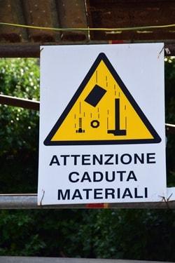01_Baustelle-Baustellenschild-Warnschild-Italien