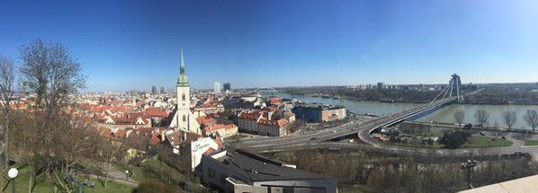 Panorama von der Burg Hrad Braitslava Slowakei flusskreuzfahrt donau kreuzfahrt