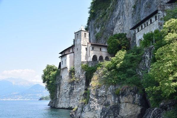 03 Eremitenkloster Santa Caterina del Sasso Lago Maggiore Italien