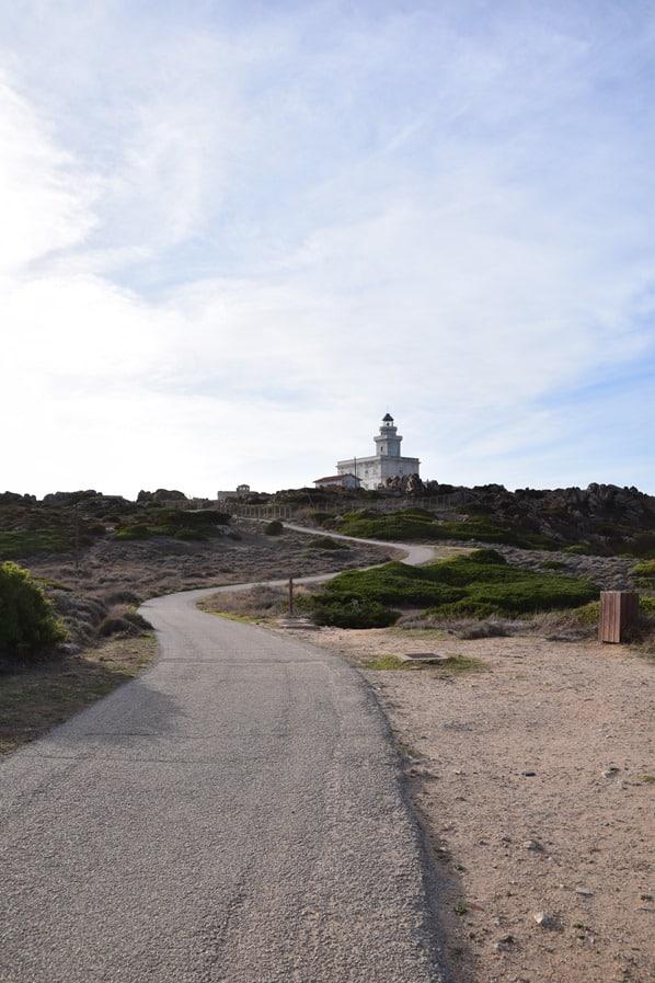 01_Weg-zum-Leuchtturm-Capo-Testa-Sardinien-Italien