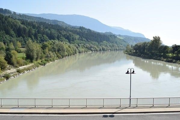 Drauradweg Staustufe Drau Kärnten Österreich