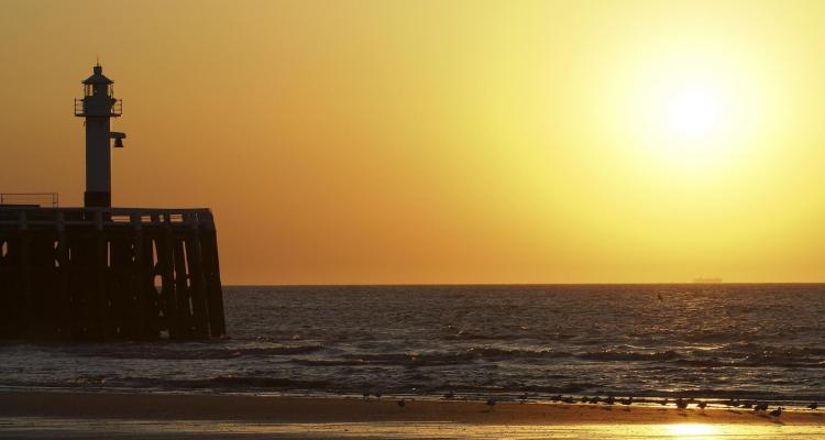 01 Urlaub Belgien Nordsee Sonnenuntergang