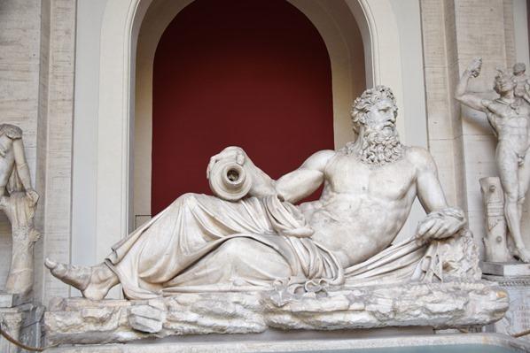 Vatikan Vatikanische Museen Rom liegende Statue Italien