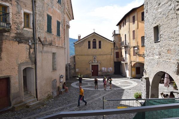 Triora Dorfplatz Hexendorf Ligurien Italien