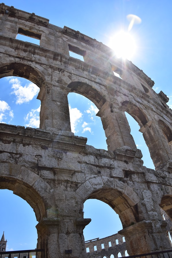 19_Amphitheater-Pula-Arena-Bogen-Istrien-Kroatien