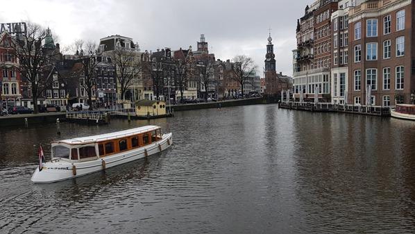 16_a-rosa-Flusskreuzfahrt-Rhein-Sightseeing-Grachtenboot-Amsterdam-Holland-Niederlande