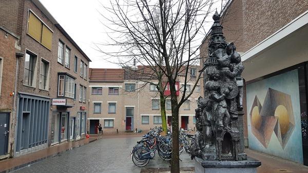 05_a-rosa-Flusskreuzfahrt-Rhein-Statue-Nijmegen-Holland-Niederlande