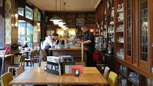 20_a-rosa-Flusskreuzfahrt-Rhein-Biessels-Cafe-Nijmegen-Holland-Niederlande