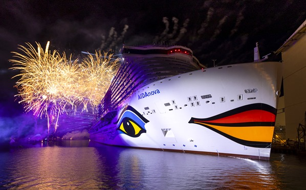 24_Feuerwerk-Taufe-AIDAnova-Meyer-Werft-Papenburg-Kreuzfahrt