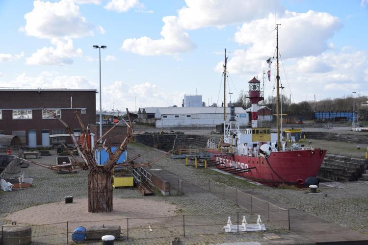 arosa flusskreuzfahrt rhein schelde feuerschiff kattendijk dock antwerpen belgien a-rosa aqua