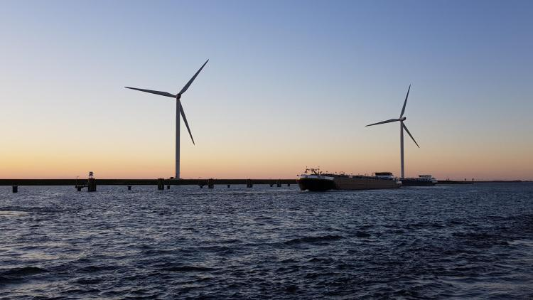 arosa flusskreuzfahrt rhein schelde windräder sonnenuntergang belgien a-rosa aqua