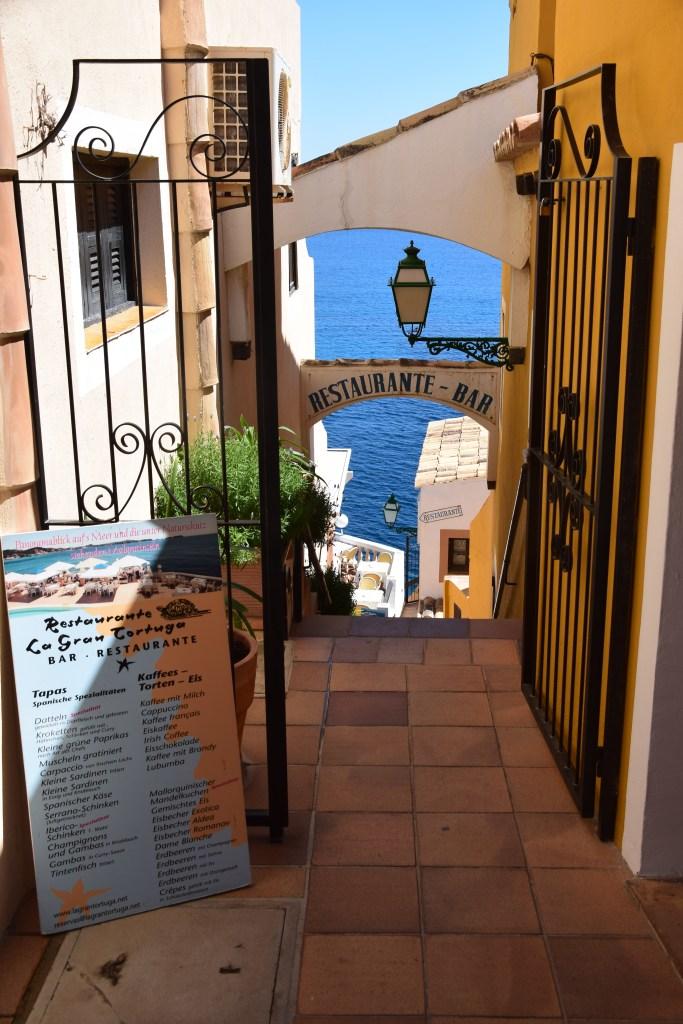 17 restaurante la gran tortuga cala fornells peguera mallorca balearen spanien