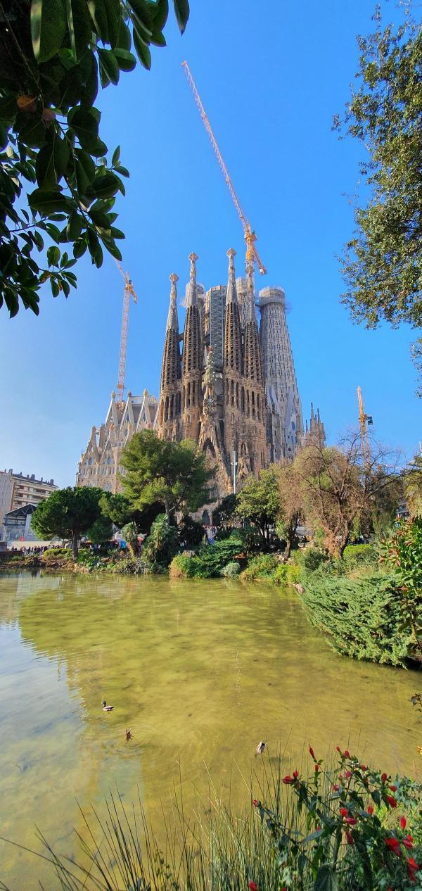 kathedrale sagrada familia barcelona spanien aida familien kreuzfahrt