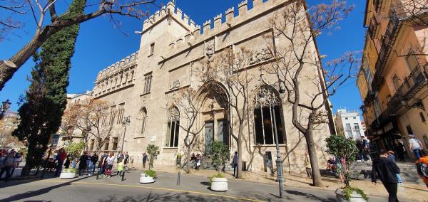 seidenboerse lonja de la seda valencia spanien aida familien kreuzfahrt