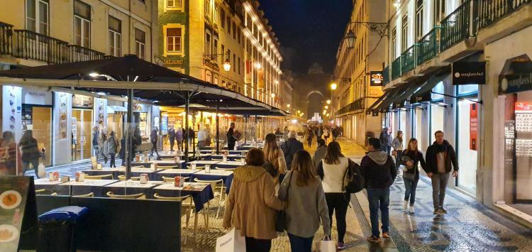 Städtereise Lissabon Sehenswürdigkeiten Shoppingmeile Einkaufen Rua Augusta Portugal