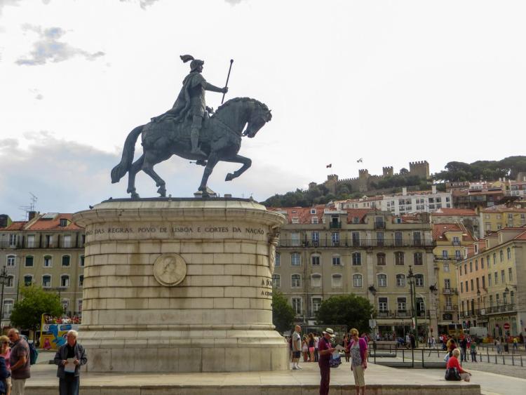 Städtetrip Lissabon Sehenswürdigkeiten Statue Reiterstandbild Praça da Figueira Portugal