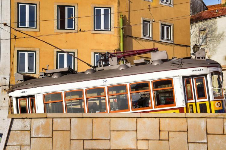 Städtereise Lissabon Sehenswürdigkeiten Straßenbahn Linie 28 Carris Eléctrico 28 Portugal