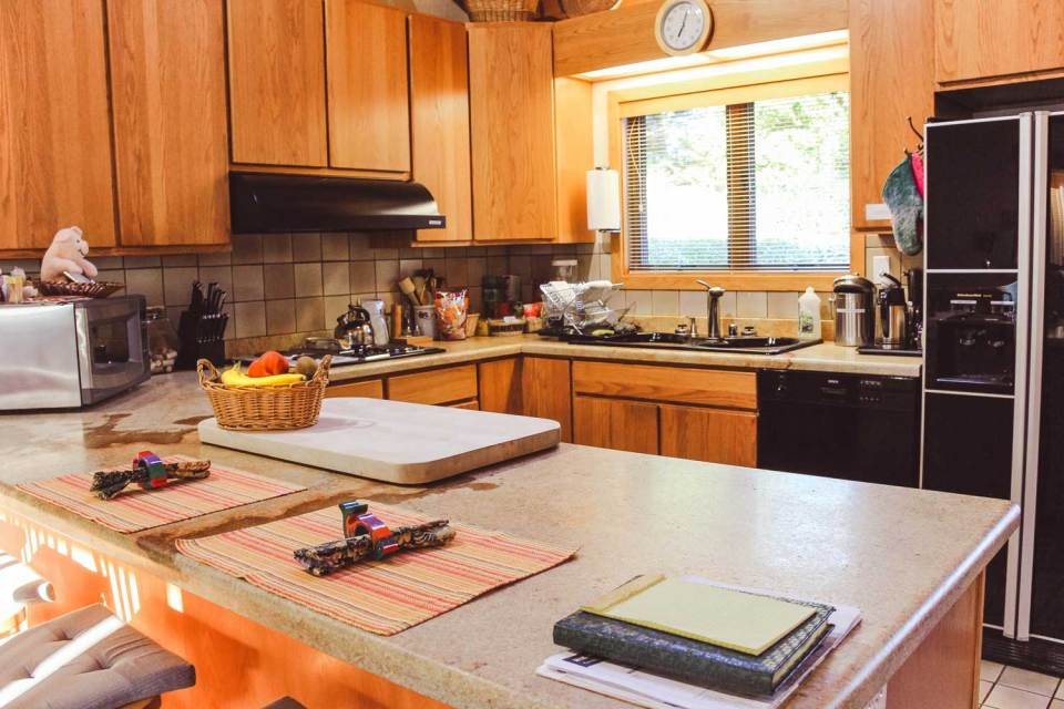 point reyes vacation rental cottage kitchen - fully stocked