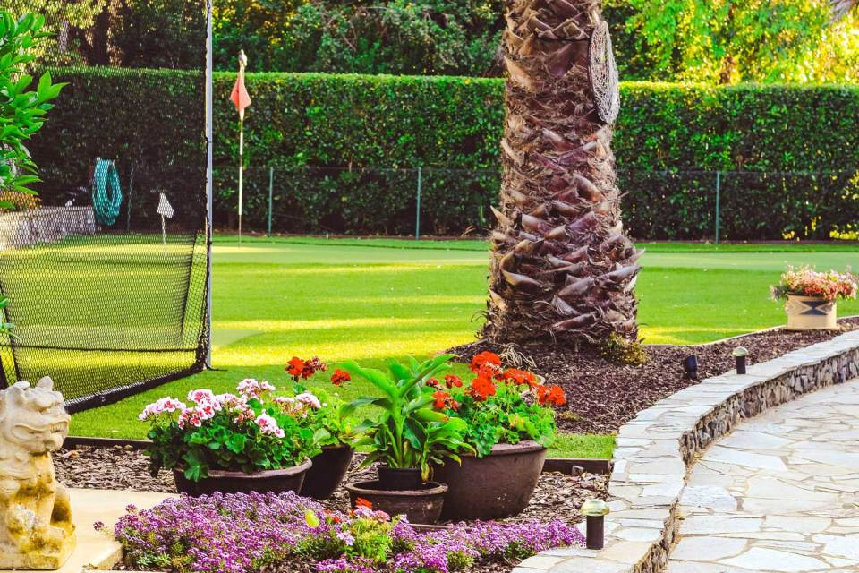 golfing green on cottages grounds