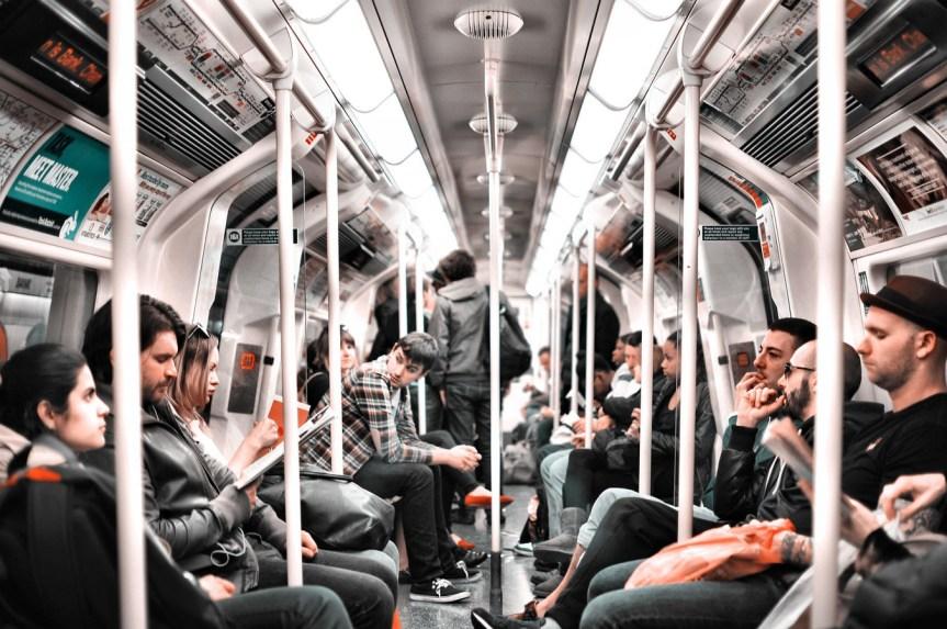 Mikrokosmos Bahnfahren:Die kleine große Welt desNahverkehrs