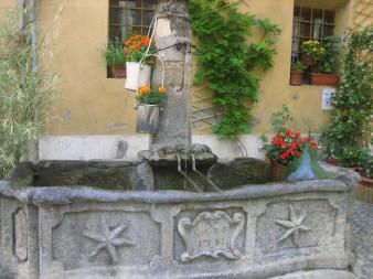 fontana1 700