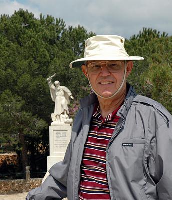 Ferrell Jenkins and the Statue of Elijah at Murakah.