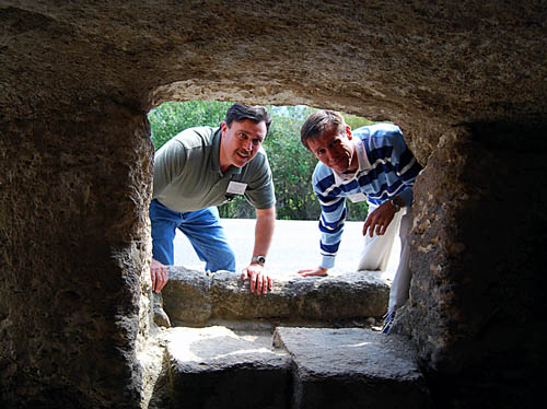 Two disciples look into an empty tomb. Photo by F. Jenkins.