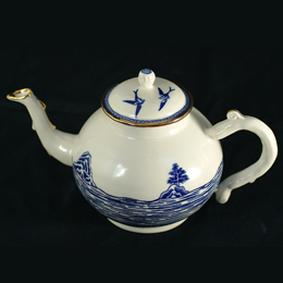 PS 34374 Cockle Pickers Tea pot 260pxsq