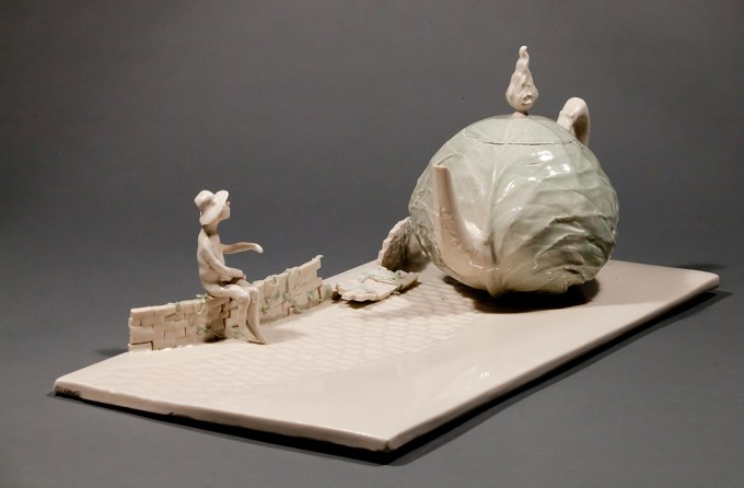 "Coille Hooven, ""Cabbage Road"" 1979, porcelain, 7.625 x 19.25 x 9.5"". photo: Farrol Mertes"