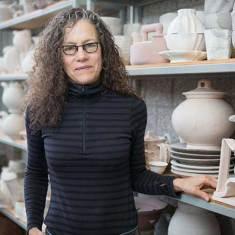 Linda Sikora, Artist Portrait.