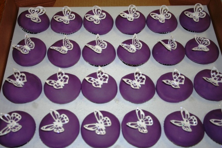 Melanie Ferris Cakes News Two Different Butterfly Themed Wedding Cakes