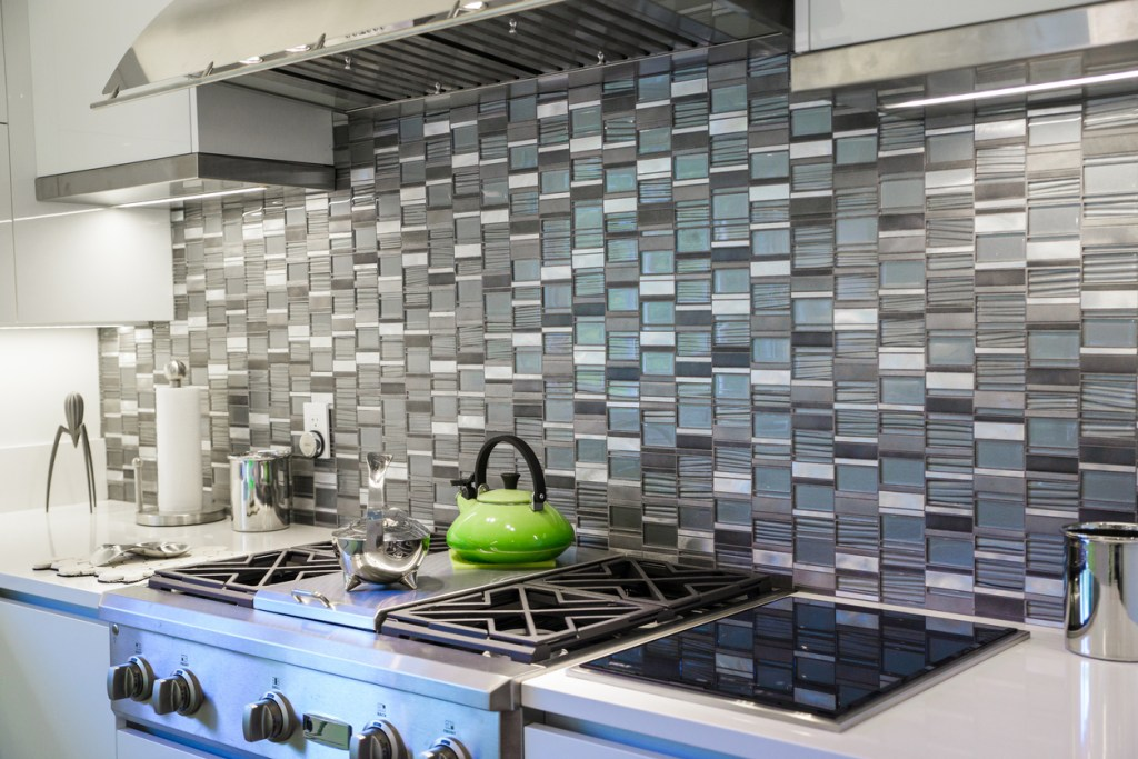 tile backsplash kitchen trends