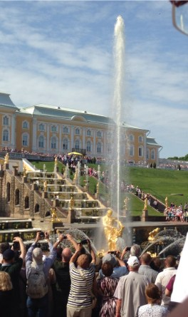 The fountains at Peterhof. Photo by Devon Hodgson, used with permission by the Honors Program at Ferris State