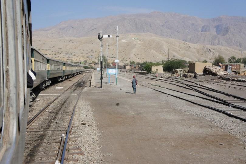 Zwischen Quetta und Sibi: der Bahnhof Mach