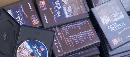 Vols el DVD de la Festa? I per 2 euros més una samarreta i una auca!