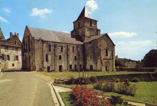L'église Saint-Savinien en 1969