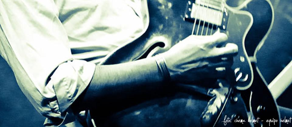 Cuchillo en concierto // Foto: Chema Helmet - Equipo Helmet