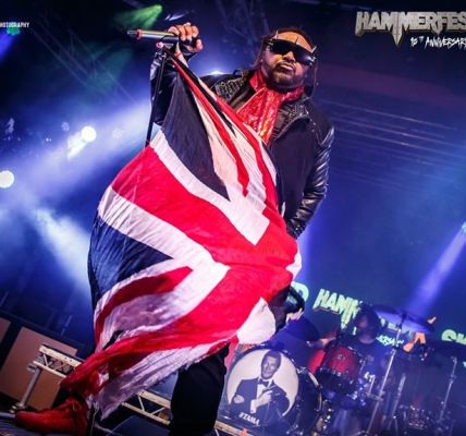 Skindred bring the main stage to an end with a full on party. .