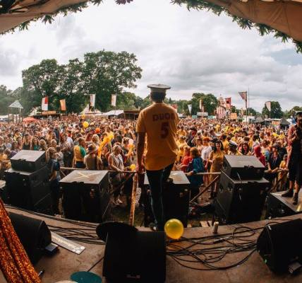 Super Sangria Sunday at Eden Festival 2018 with Colonel Mustard & The Dijon ...
