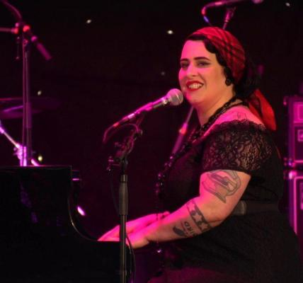 She's Back! Davina and The Vagabonds returns to #EJBF19 for SIX gigs....
