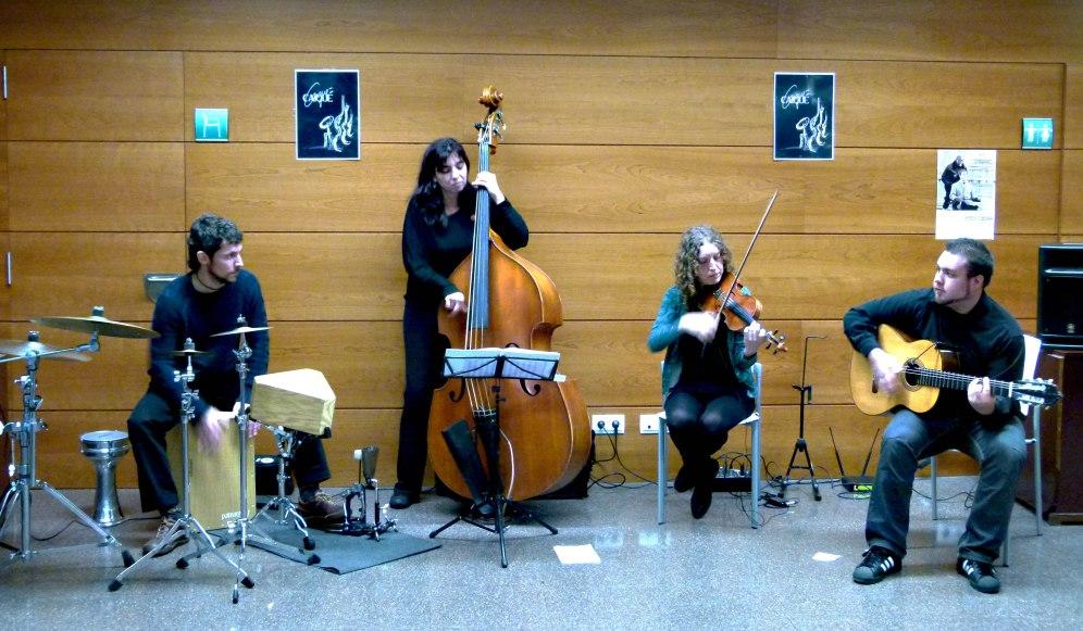 Vermut-concert amb el grup Caiqué. Cloenda.