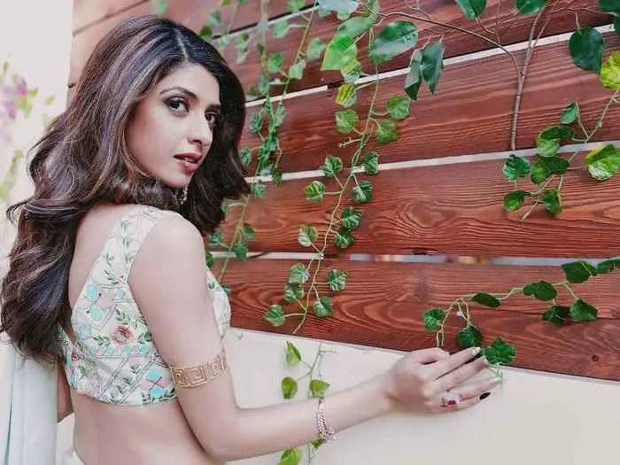 Aishwarya Sakhuja Nag HD Picture