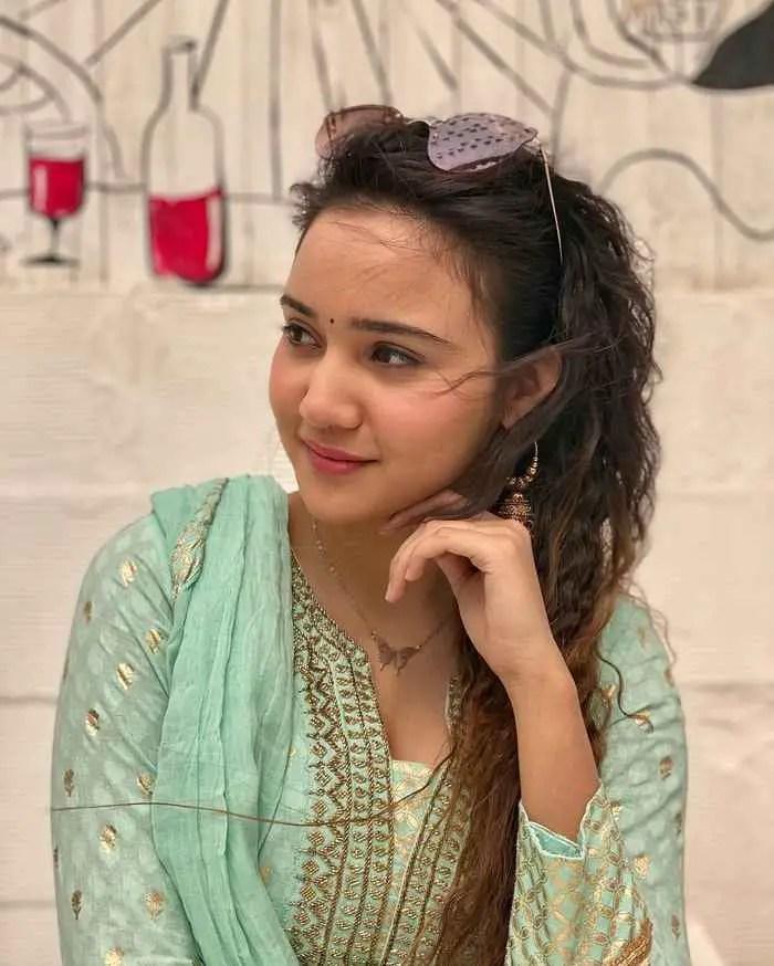 Ashi Singh Picture