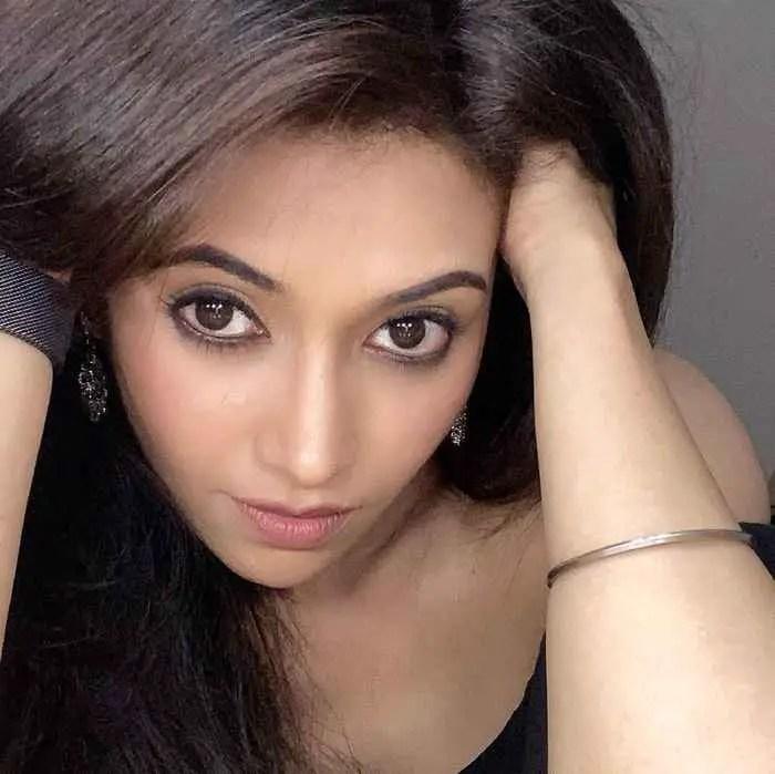 Parakh Madan Pic Download