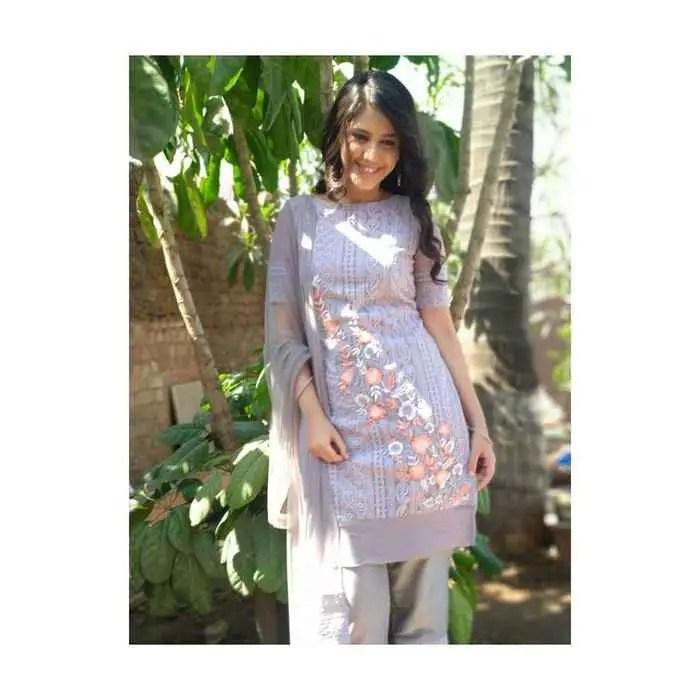 Simran Pareenja Pic Download