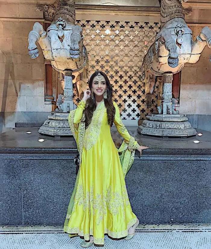 Smriti Khanna HD Image  download