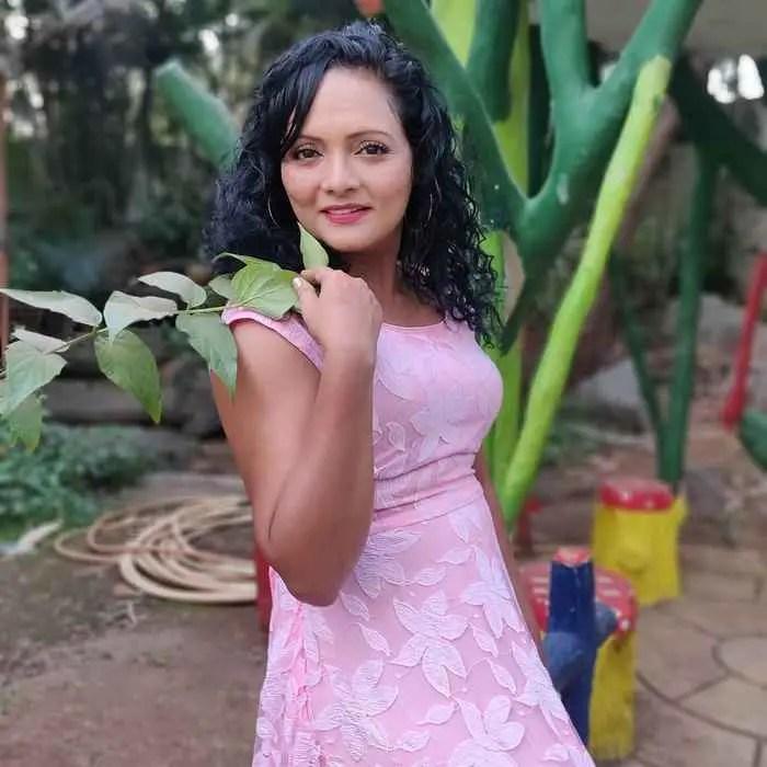 Sunita Karambelkar Pic Download
