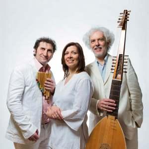 Lautenist Eduardo Egüez mit Luis Rigou und Barbara Kusa