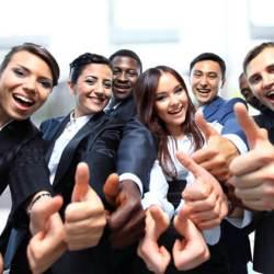 BusinessPeople weihnachtsfeier Firmen Weihnachtsfeier absagen? Fetenroller kommt! BusinessPeople 250x250