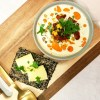 Lavkarbo blomkålsuppe med chorizo og cheddar
